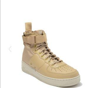 🖤 Nike Air Force one mid SF AF1